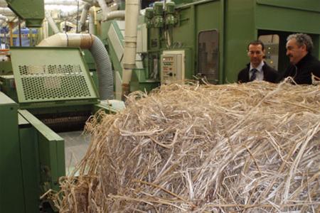 Essai de défibrage de chanvre à l'usine Laroche (69)