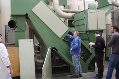 Nettoyage-batteuse pour défibrage du chanvre à l'usine Laroche (69)