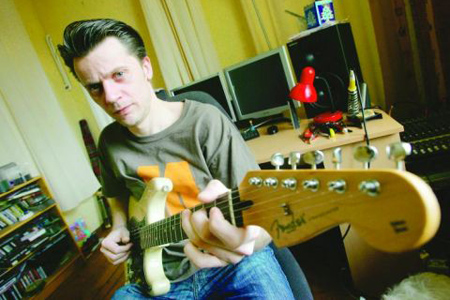 Thomas Ottogalli, devenu charentais pour fuir l'agitation parisienne, sort son premier album.