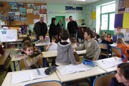 Visite de l'école de Genac