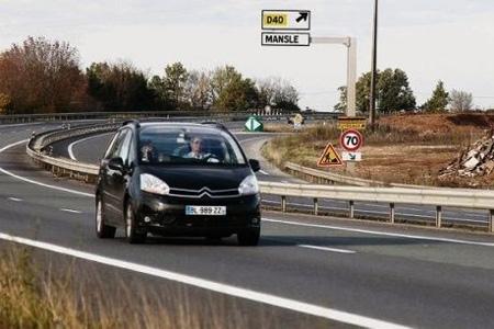 La route nationale 10 à hauteur de Mansle. Il y a ici des carrefours dangereux à sécuriser. Photo : C. Levain