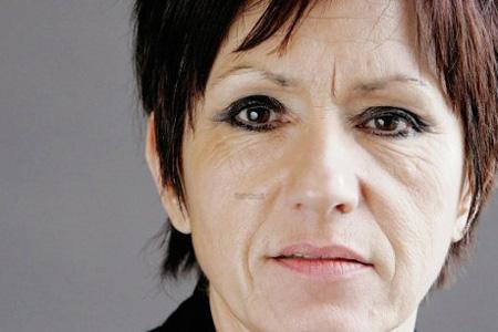 Nicole Bonnefoy, sénatrice de la Charente et conseillère générale du canton de Mansle, souhaite organiser la chasse au frelon asiatique « d'une manière rationnelle et efficace ». Photo : D.R