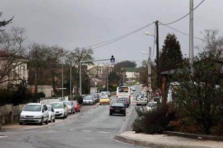L'avenue Paul-Mairat à Mansle. Photo : C. Levain