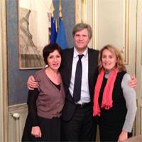 Stéphane Le Foll, Ministre de l'agriculture avec Nicole Bonnefoy, rapporteur et Sophie Primas, présidente de la mission pesticides