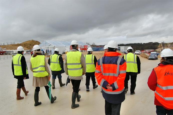 04 02 13 visite du ministre des transports sur le for Visite de chantier