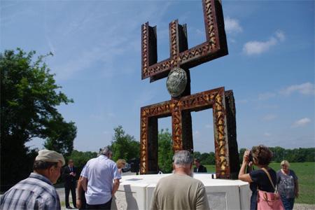 """Sculpture """"L'homme libre"""" de Rachid Khimoune. Photo : Sud Ouest"""