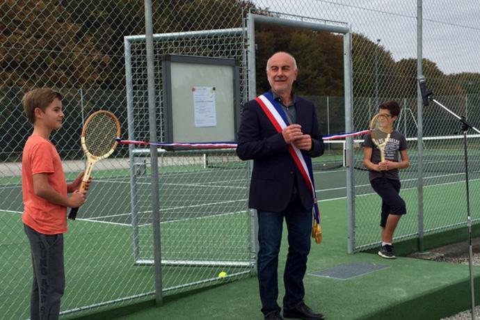 Inauguration du nouveau cours de tennis à La Rochette. Photo : N. Bonnefoy