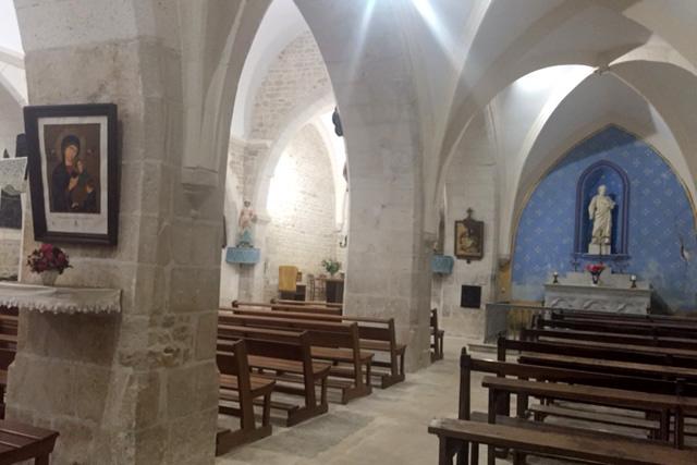 Mise aux normes de l'éclairage et des travaux intérieurs de l'église à Montjean. Photo : N. Bonnefoy