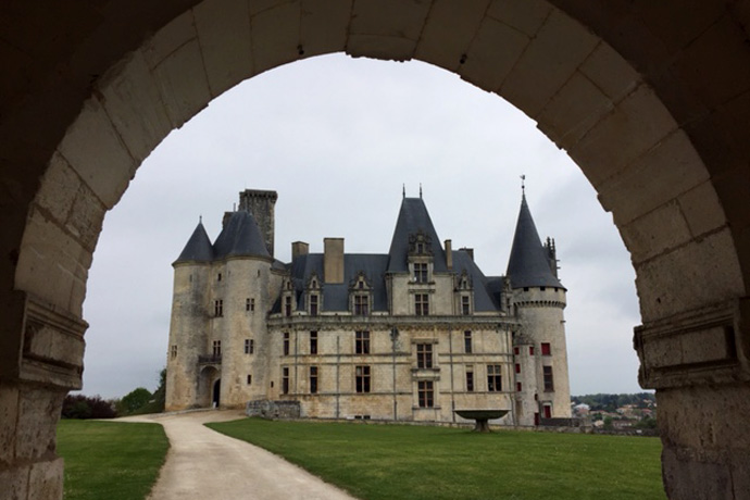Inauguration du parcours de santé dans le parc du château de La Rochefoucaud. Photo : N. Bonnefoy