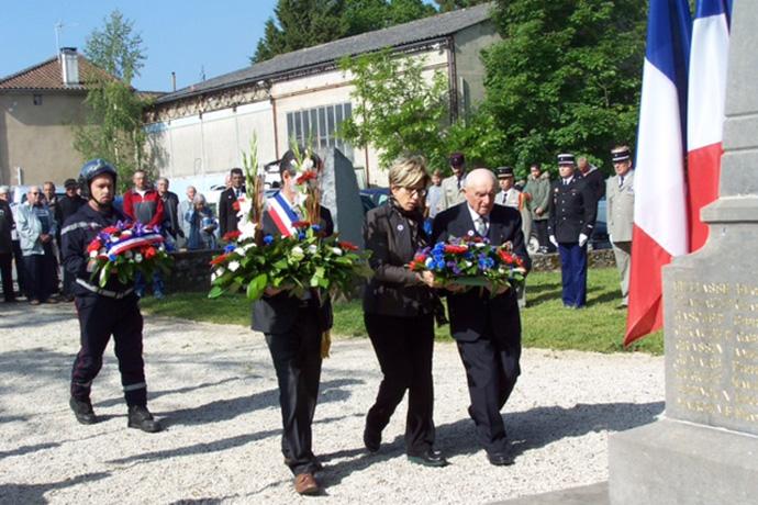 Cérémonie du 08 mai à Mansle. Photo : N. Bonnefoy