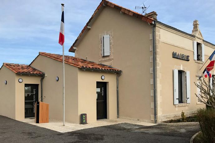 Inauguration des travaux de la mairie de Lichères. Photo : N. Bonnefoy