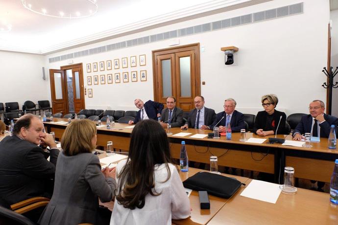 Déplacement au Portugal d'une délégation de sénateurs français.