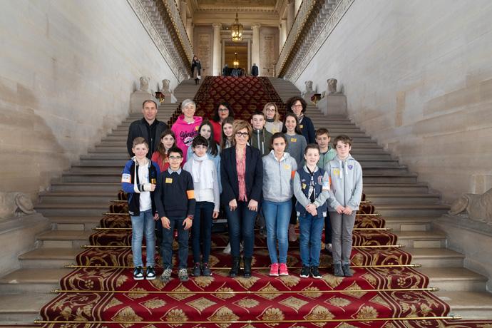 Le Conseil Municipal des Jeunes de Champniers au Sénat. Photo : Sénat