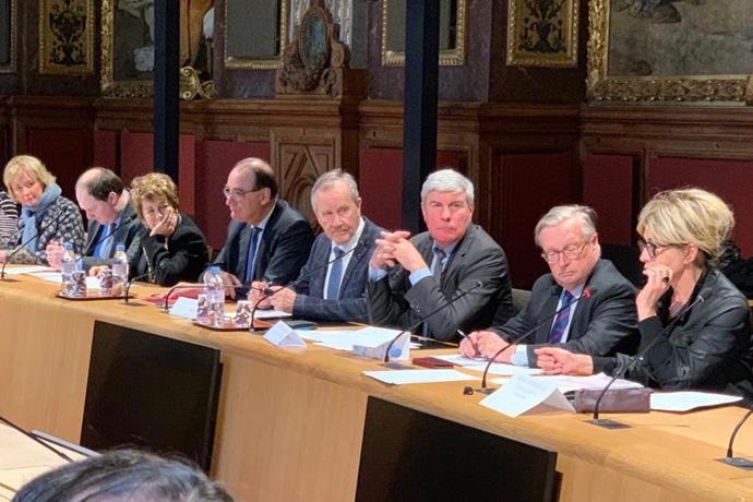 Réunion d'échange au Sénat concernant les nuisances LGV. Photo : Sénat